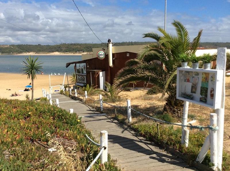 quebramar beach bar vila nova milfontes