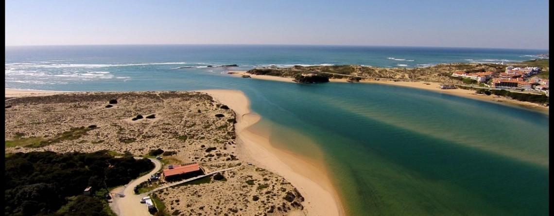 Praia das Furnas: Praia de Rio e de Mar Numa Só
